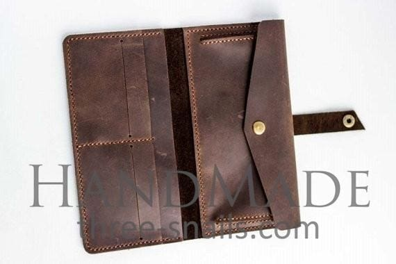 women brown leather wallet