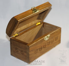 Carved Boxes Queen - Vasylchenko1