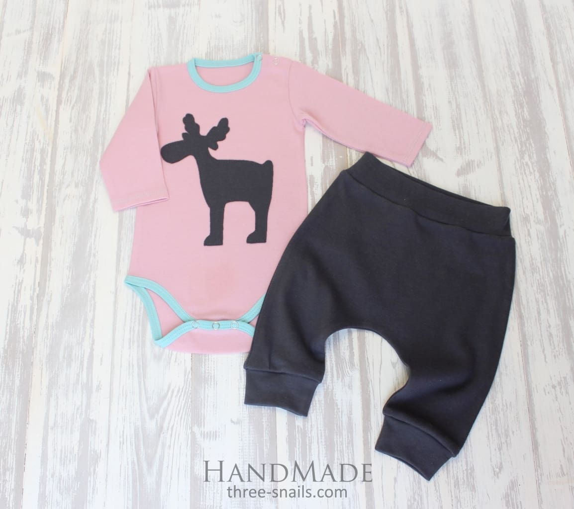 Cool Baby Clothes. Babygro And Pants Christmas Friend - Baby Clothes