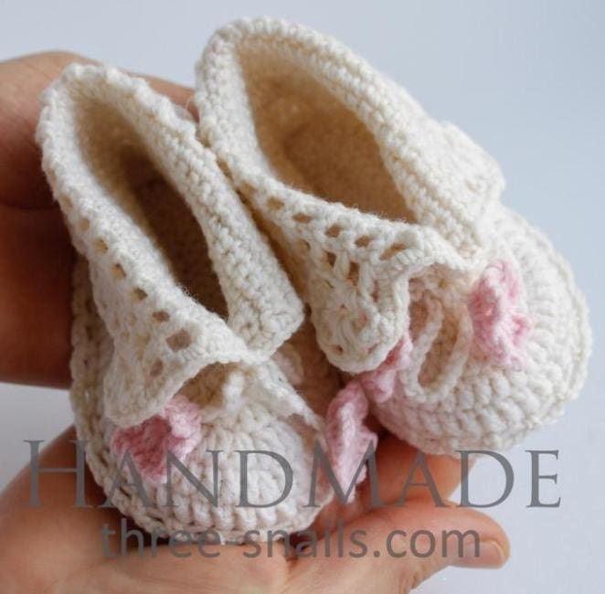Crochet Baby Shoes White Tenderness - Booties