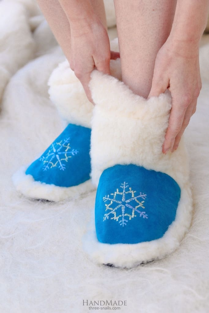 "Cute winter slippers ""Blue Christmas Gift"" - 1"