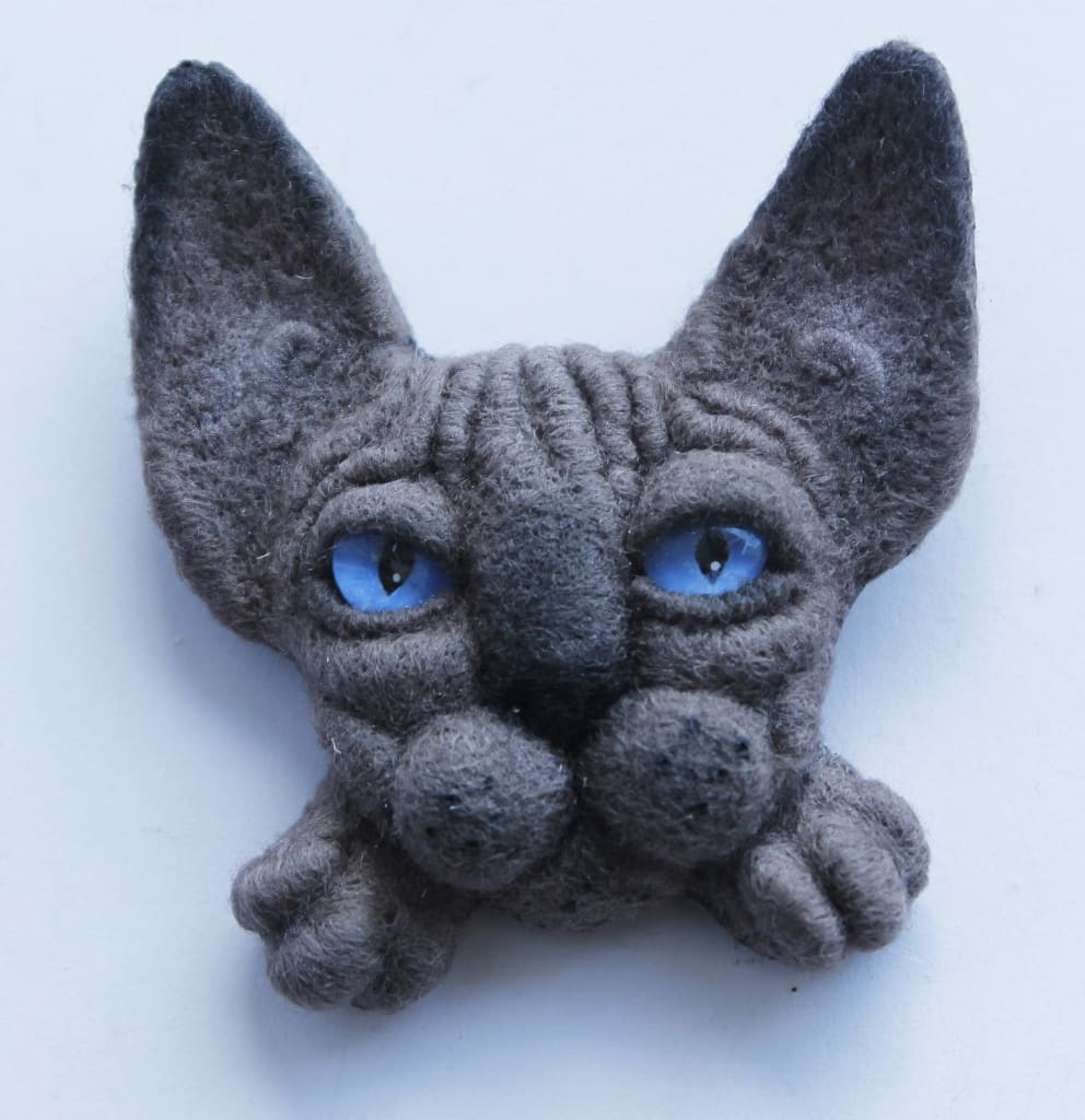 "Felt animals brooches ""Taupe sphinx"" - 1"