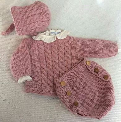 Crochet set for a baby girl - 1