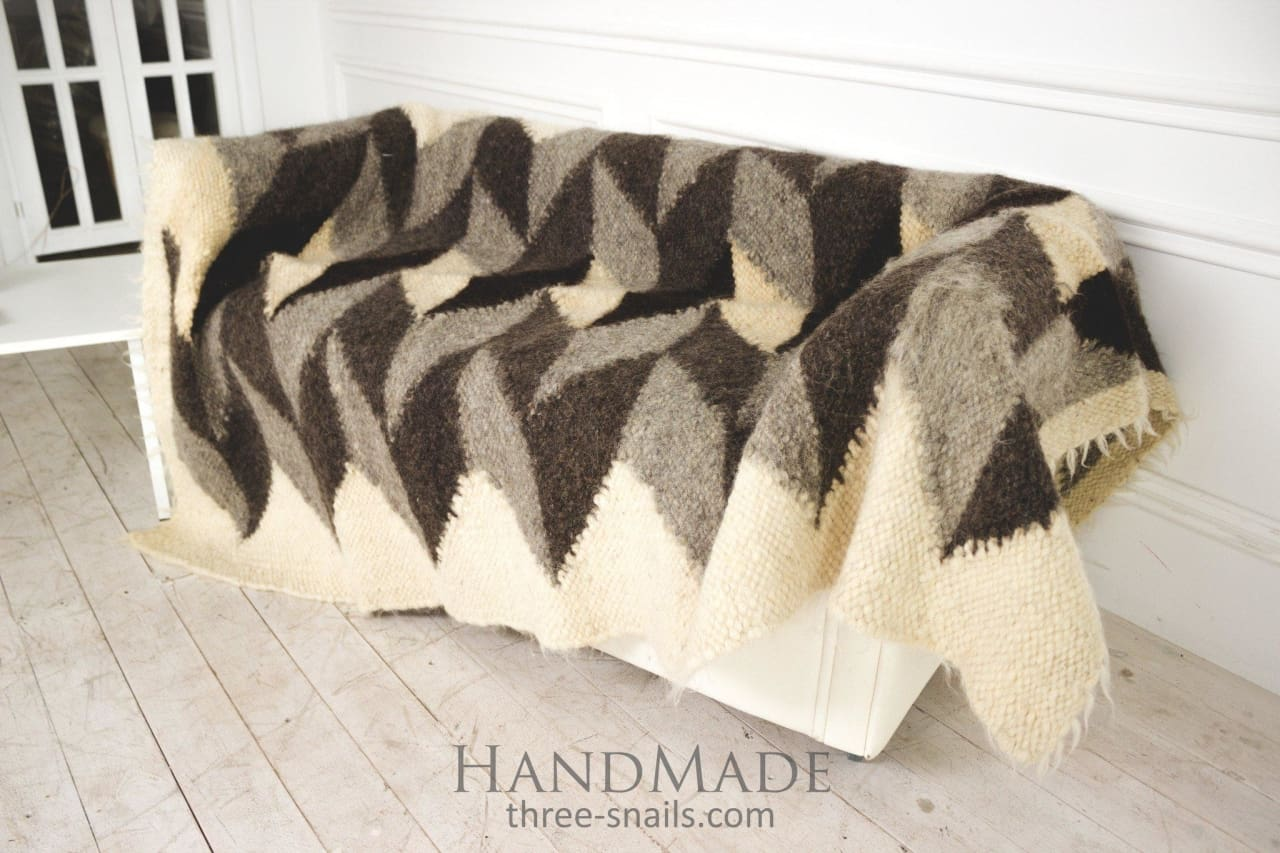 "Handcrafted wool blanket ""Rocks"" - 1"