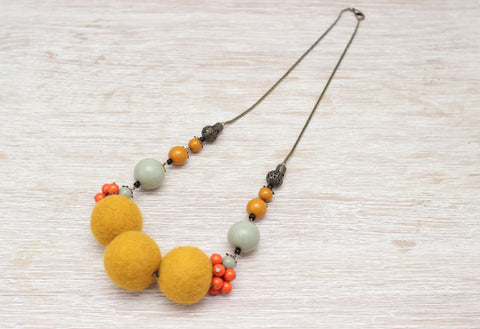 Handmade Woolen Necklace Three Suns - Vasylchenko1