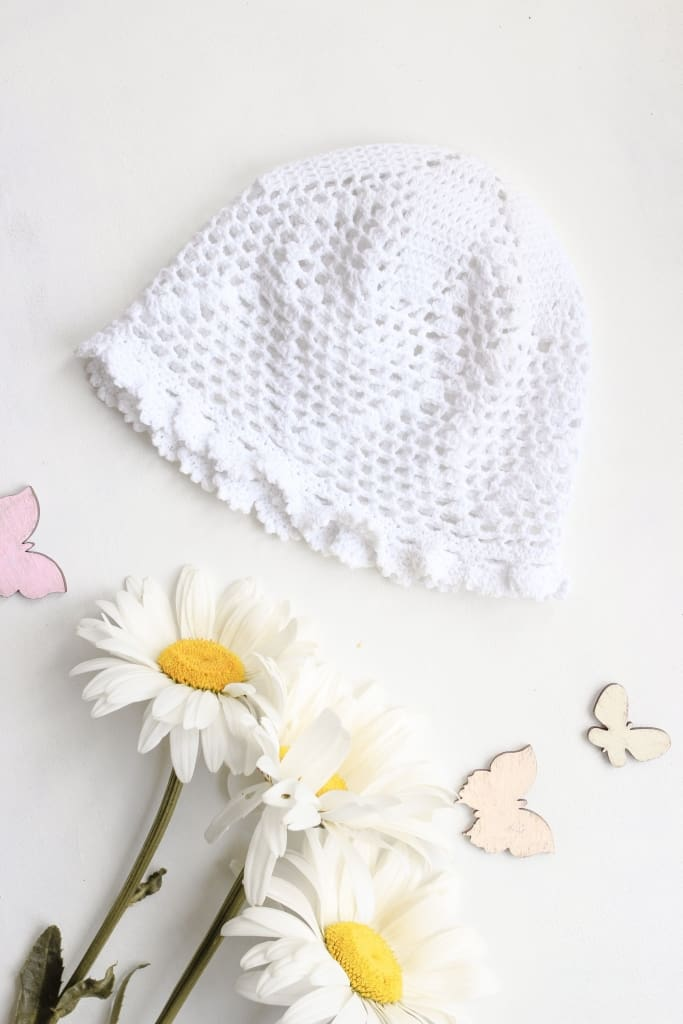 Trendy knitting pattern baby hat. Three Snails handmade shop online
