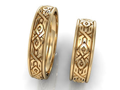 Gold wedding ring with ornament - 4