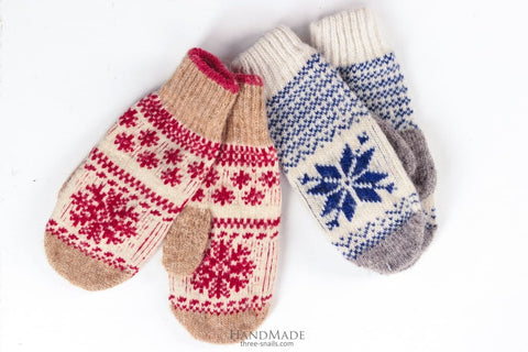 natural wool yarn mittens