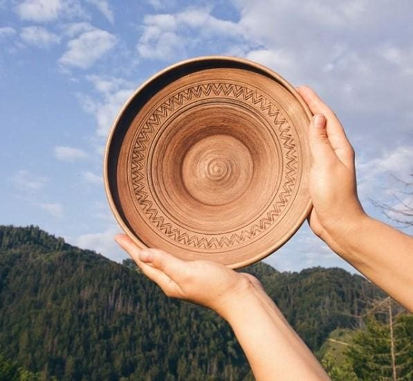 round clay plate