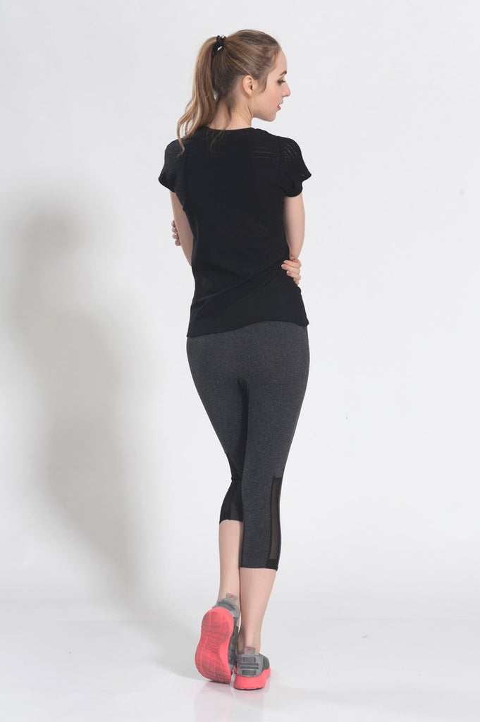 Short-sleeved, High elastic, Hollow-back Yoga T-shirt made with Eco-friendly cotton