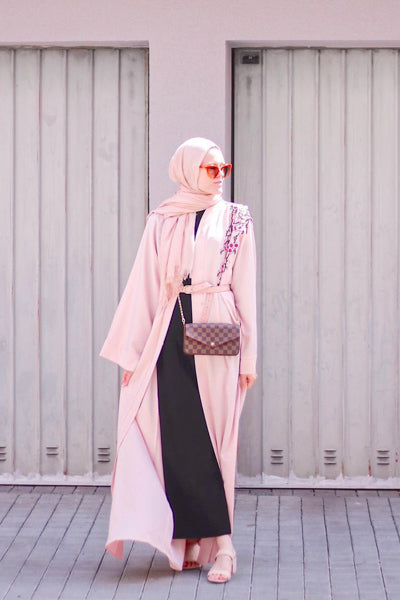 How To Dress Modestly For Summer Pink Open Abaya
