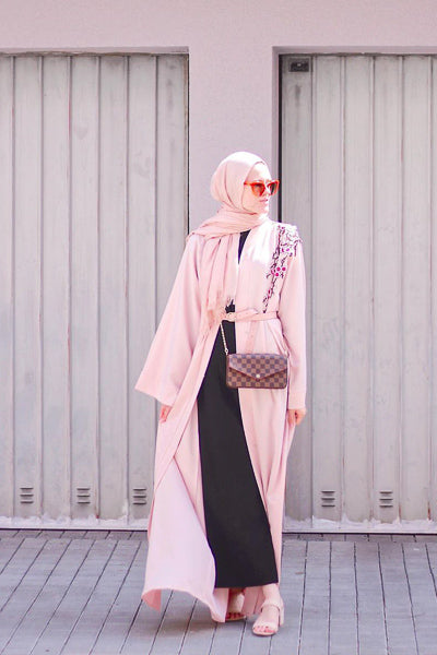 Best Design of Abaya that are Cheap and Stylish Pink Open Flower Shoulder