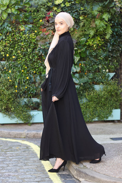 Latest Abaya Designs 2020 Black Pleats with Belt