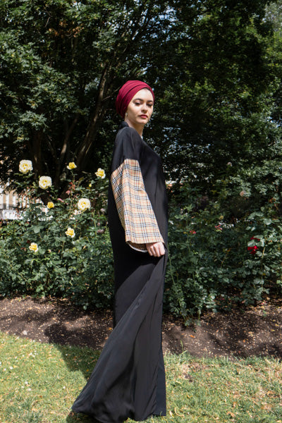 Best Design of Abaya Cheap and Stylish Black with Checkered Sleeves