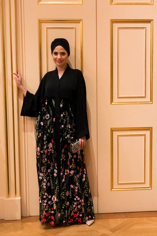 Reasons to Wear an Abaya Black with Colourful Mesh on Waist