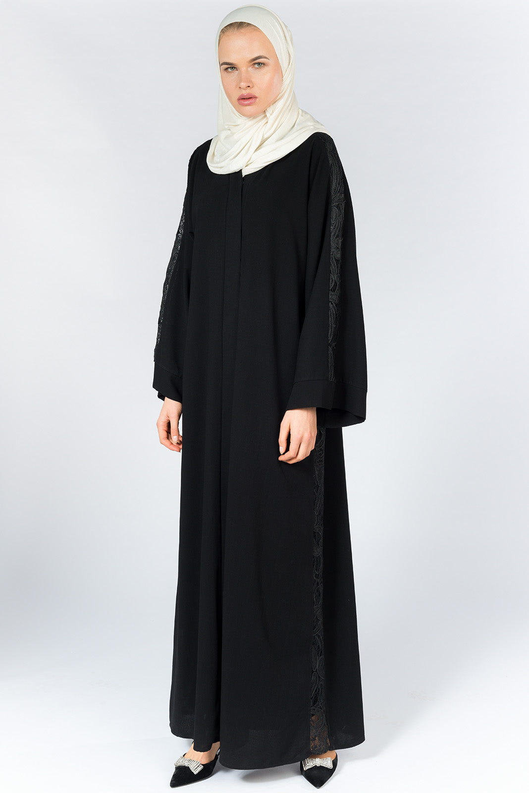 Black Closed Abaya with Lace On Sleeves and Sides in Silk