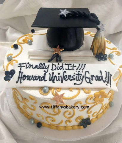 Mini Grad Cap on Round Cake
