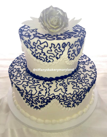 Lovely Lace Work Classic Gold Wedding Cake