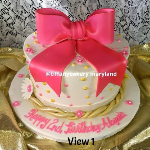 Round Cake with Bow