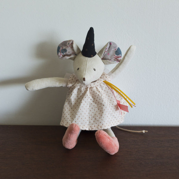 Mimi the Magician Mouse