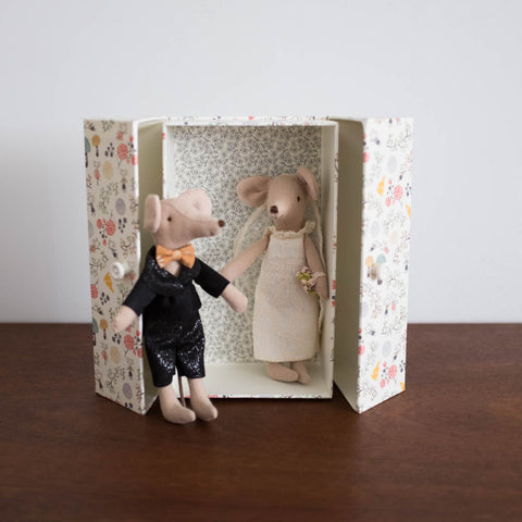 Mice Wedding Couple Box Set
