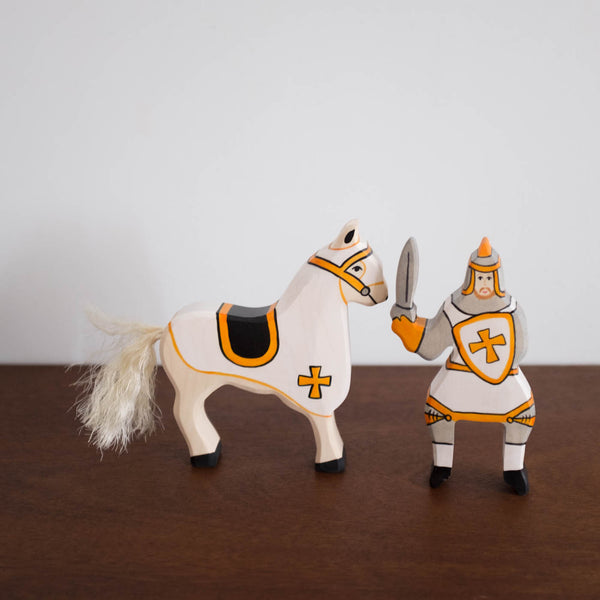 Holztiger Yellow Knight and Horse Set