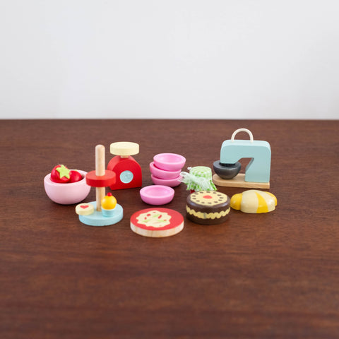 Wooden Doll Accessory Set: Make and Bake