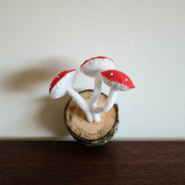 Mushroom Wall Felt Decor- Red