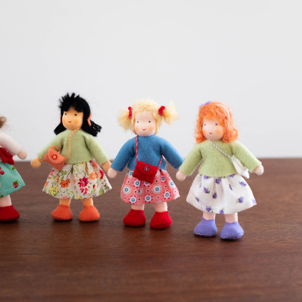 Wool Felt: Girl Doll House Dolls