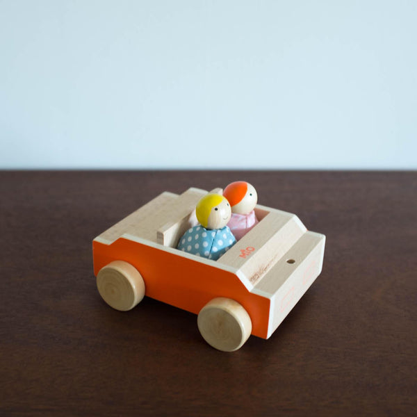 Mio Wooden Car with Dolls