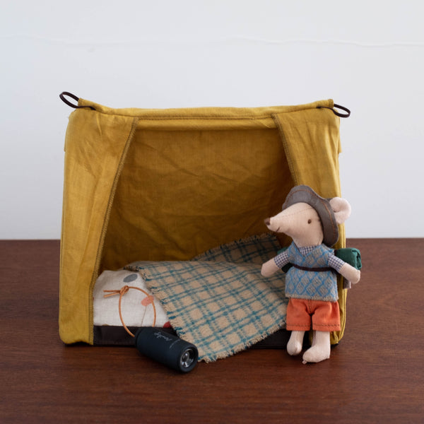 Mouse Hiker with Tent and Flashlight Set