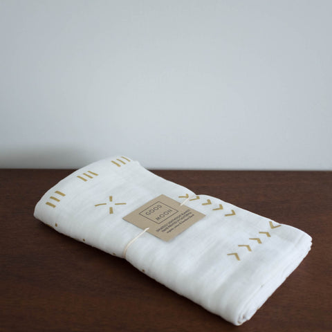 Organic Swaddle Blanket: Gold Grid