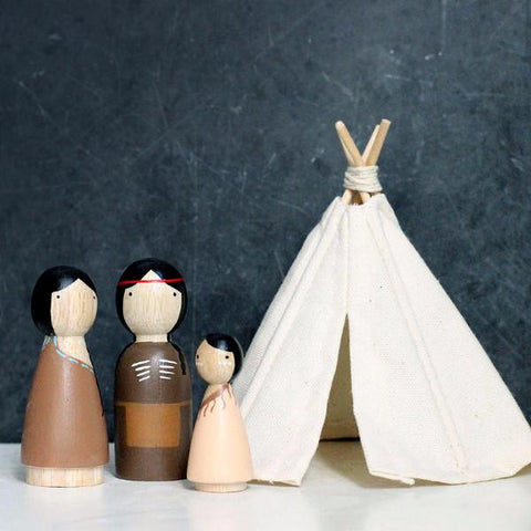 Native American Peg Dolls and Dollhouse Teepee Set