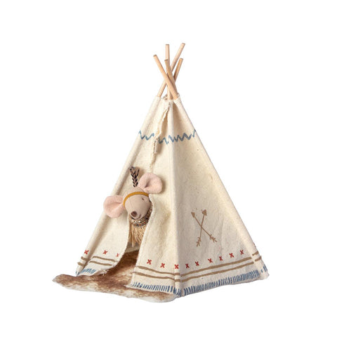 Little Feather Sister with Teepee Set