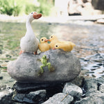 Animal | Mother Duck and Babies