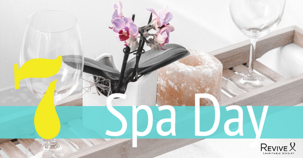 bath tray with flowers, Himalayan salt candle and wine glasses 7 spa day