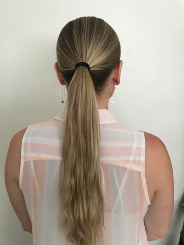 pony tail from behind