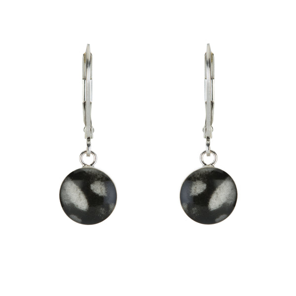 Round Cause Swing Earring