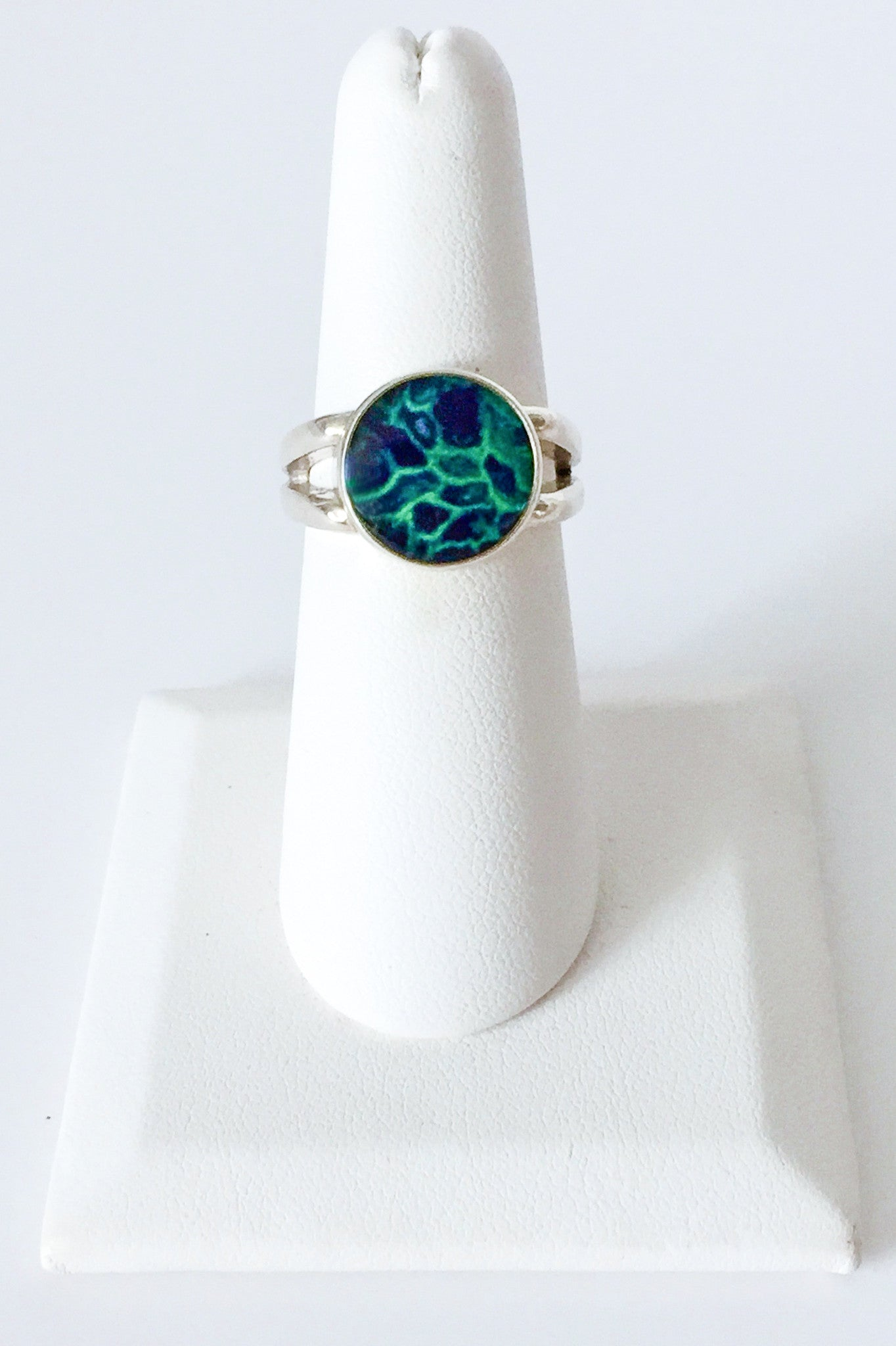 sterling silver ring with green and blue resin stone setting ring