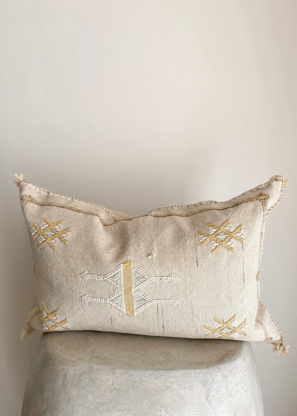"Sabra Collection Pillow 14"" x 20"""