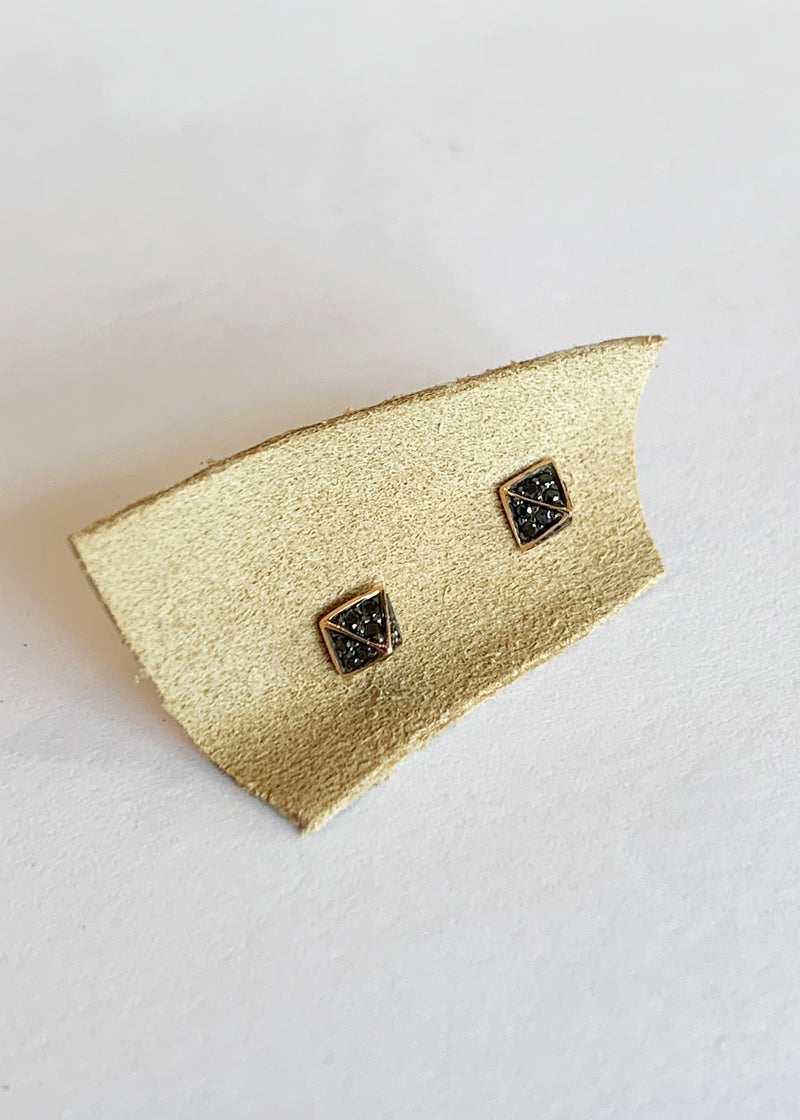 Mini Diamond Pyramid Studs - house of lolo