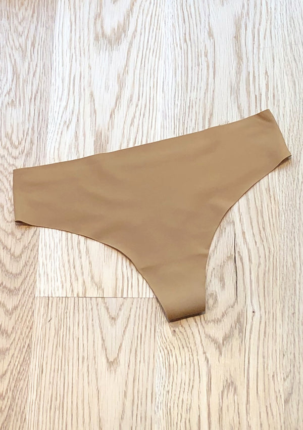 Signature Seamless Thong, Honey - house of lolo