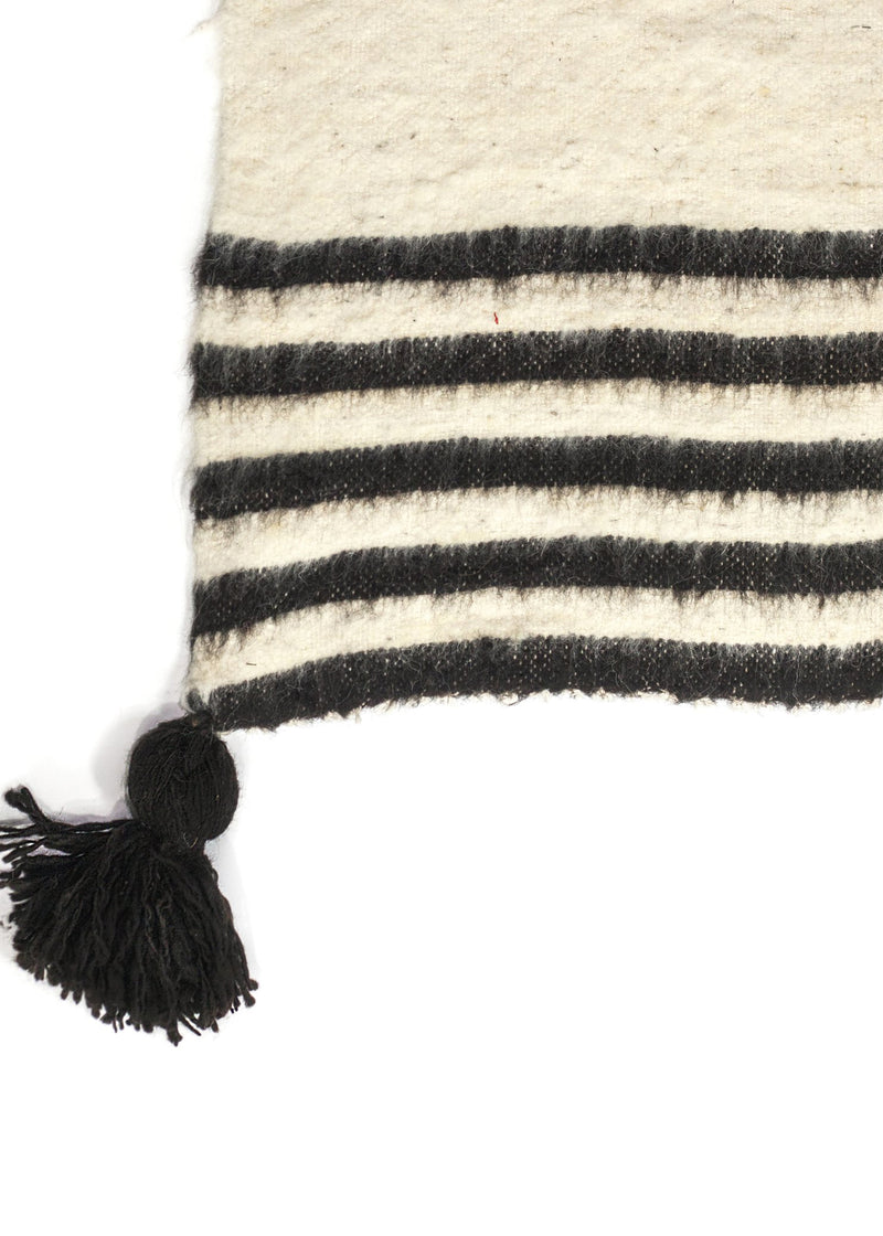 Tassel Momo Blanket Black - house of lolo