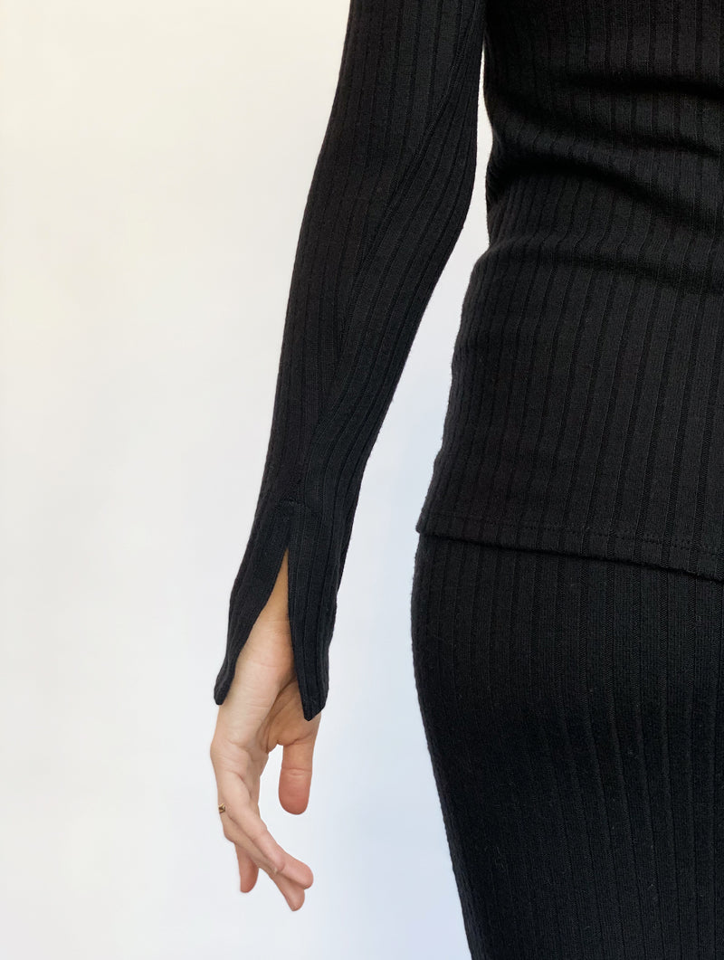 Split Sleeve Turtleneck - Black - house of lolo