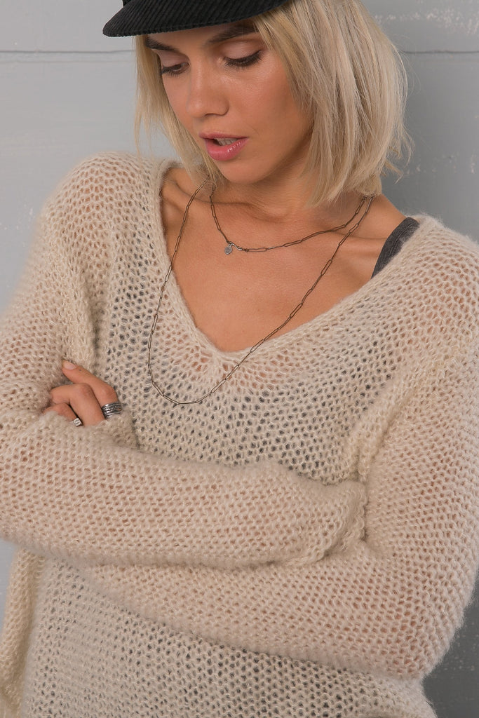 Women's Seed Stitch Shirt Tail V Sweater's | Wooden Ships Knits