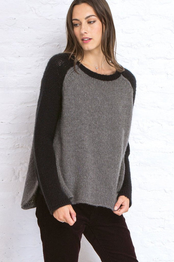 TWO-TONED RAGLAN