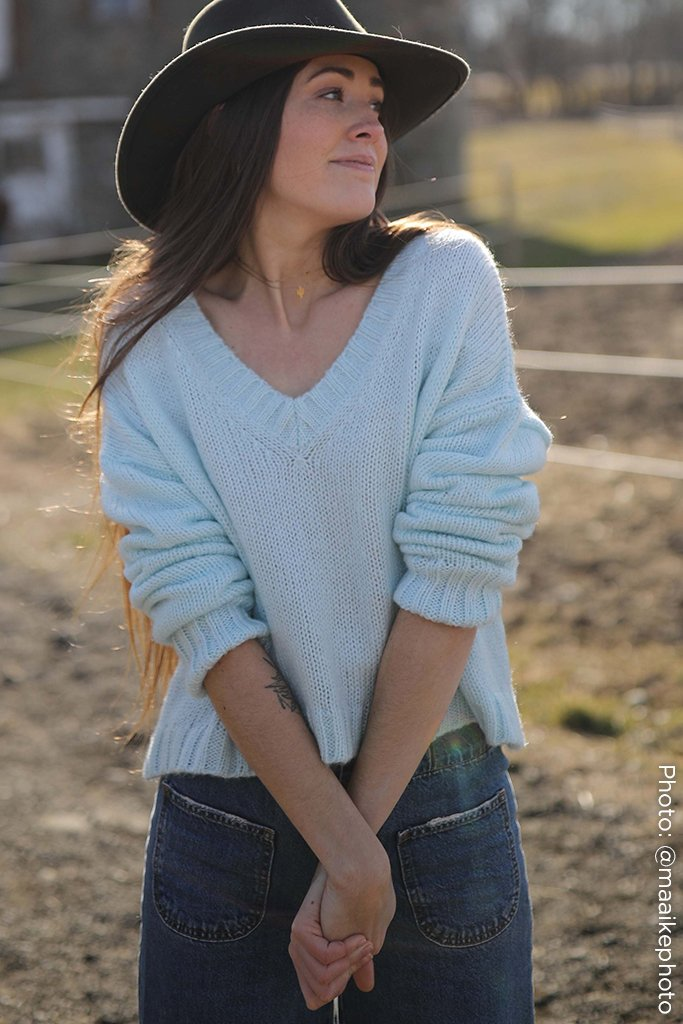 Women's ?Billie Cropped V  Sweater's | Wooden Ships Knits