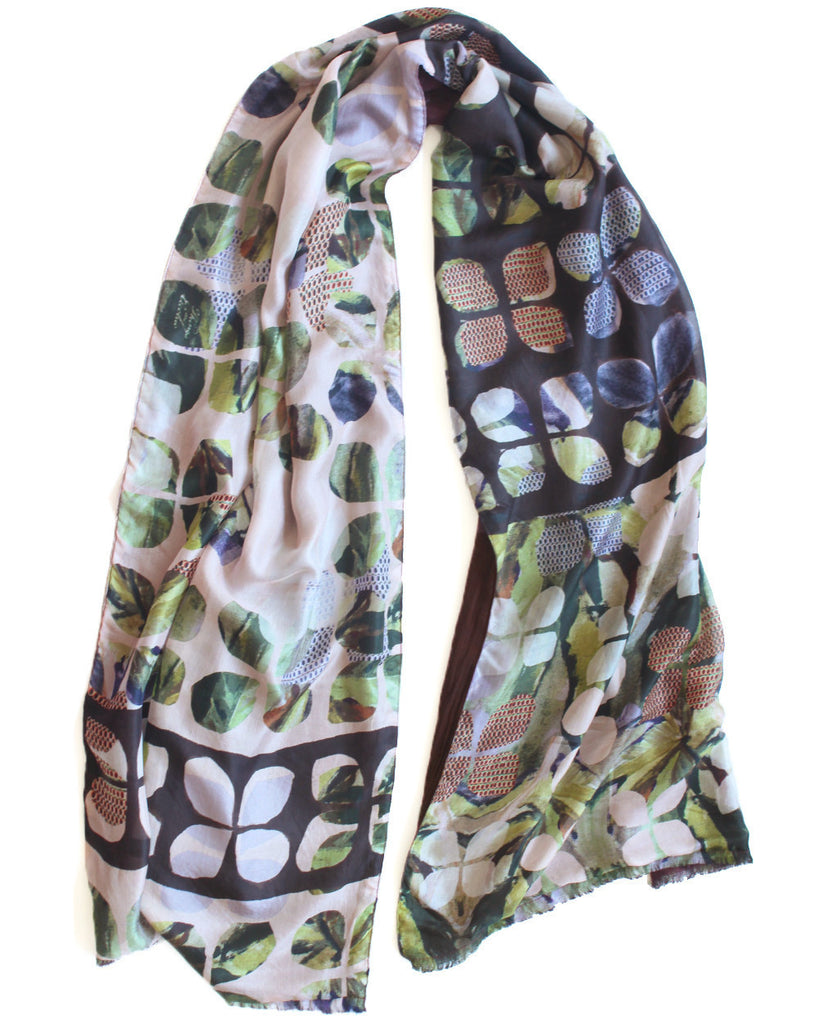 Stella - Silk scarf with wool backing