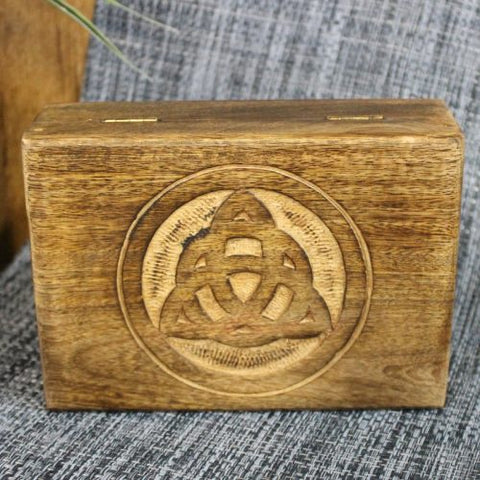 Box | Triquetra | Mango Wood | Carpe Diem with Remi