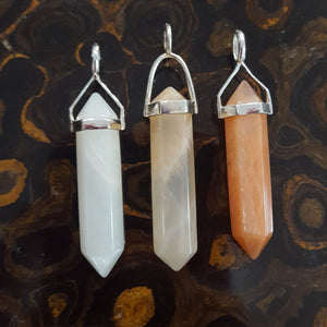 Pendant | Cream | Peach Moonstone Variants  | Carpe Diem with Remi